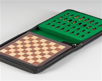Storing-travel-chess-set-E8RWD-5T