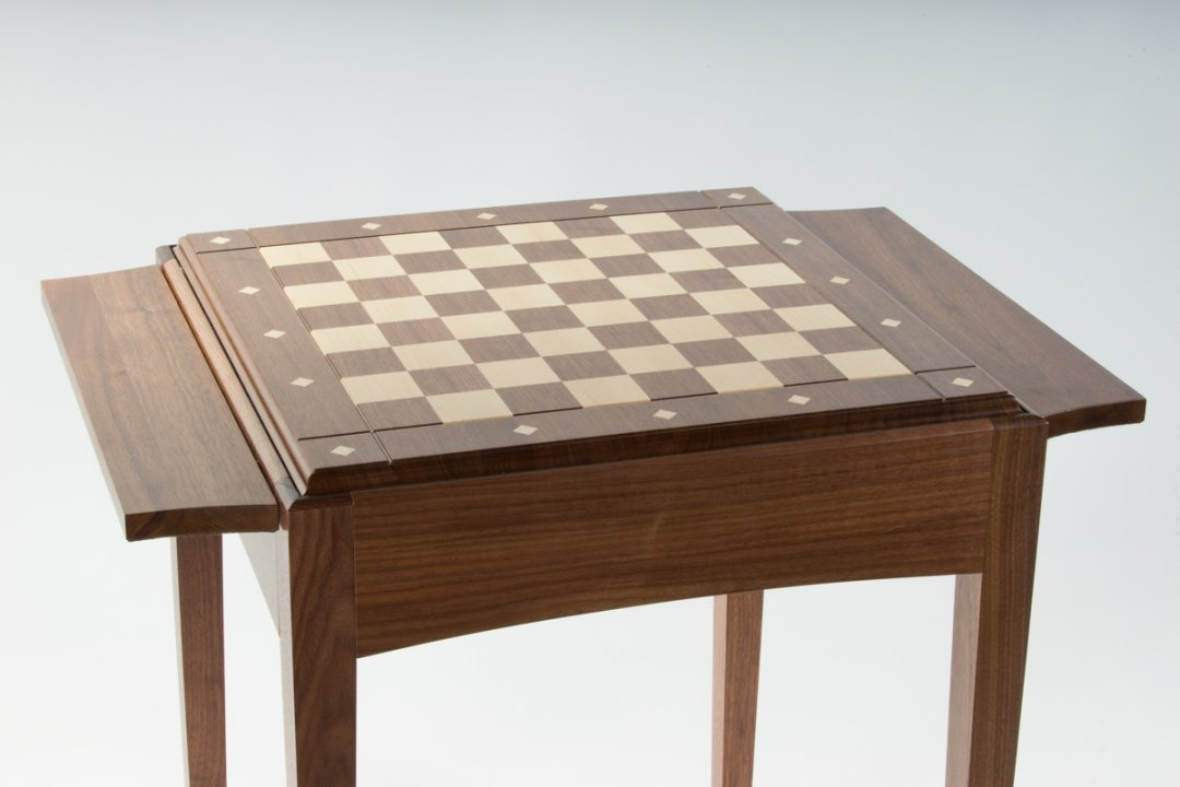 Personalize the chess table with a Designer wooden board