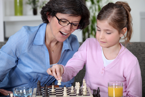 mother-daughter-chess